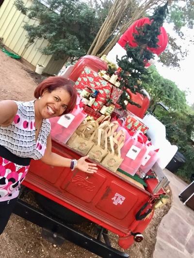 Leslie Christmas pic